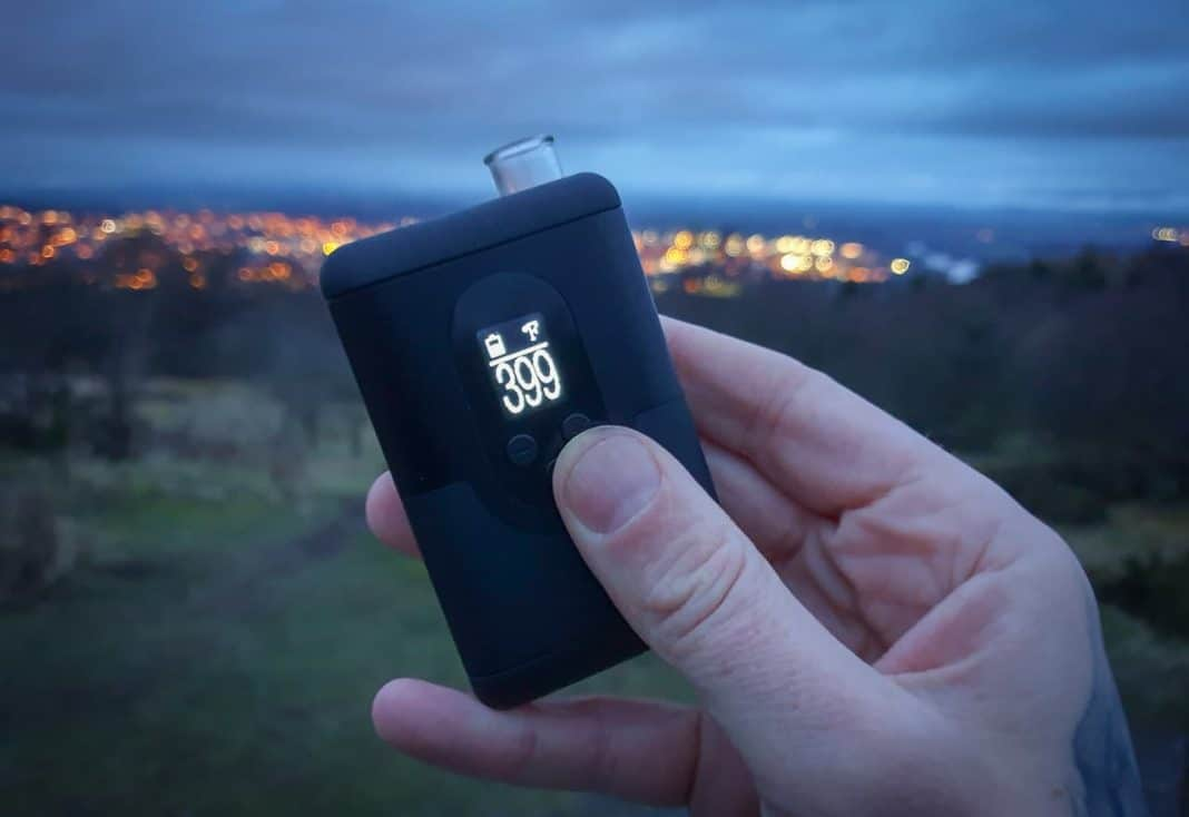 Arizer Go in Hand in the City